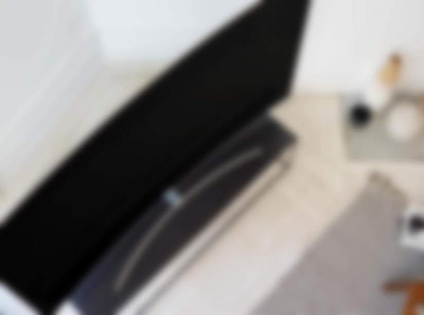 QLED Smart HDTV gallery 1